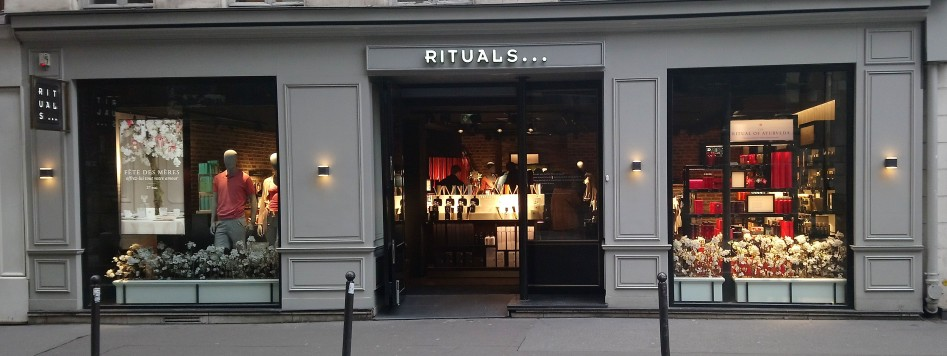 MAGASIN RUE ST SULPICE
